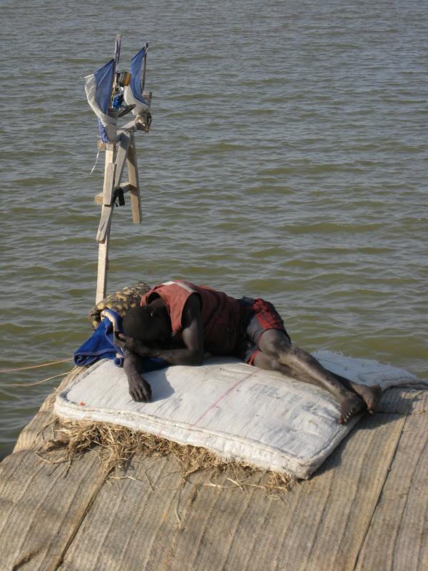 Durmiendo sobre la barca